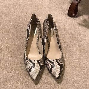 Pointed toe high heels!